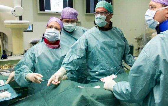 Onderzoekers van het St. Antonius Ziekenhuis en de Universiteit Twente hebben software ontwikkeld waarmee beter voorspeld kan worden of een aorta-stent gaat lekken.