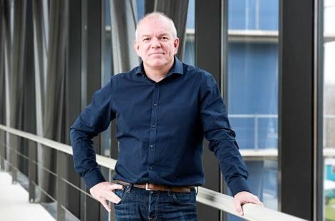 Robert Passier (LUMC) wil als hoogleraar Toegepaste stamcelbiologie kennis op het gebied van on-a-chiptechnologie bundelen door samen te werken met technologen van de Universiteit Twente.