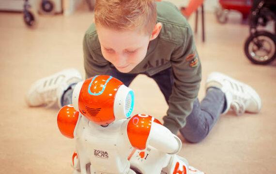 Robots grote meerwaarde voor kinderen met fysieke beperking