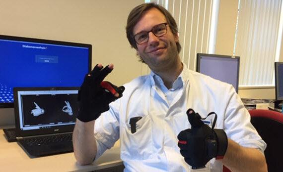 Diakonessenhuis zet VR-handschoen in bij genezingsproces