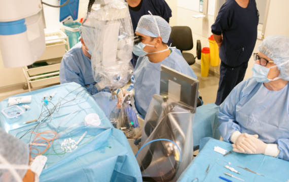 Operatierobot succesvol ingezet bij delicate netvliesoperatie