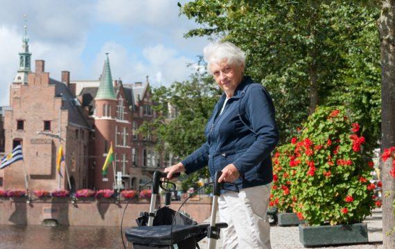 Den Haag neemt ouderen stapsgewijs  mee in wereld van zorgtechnologie
