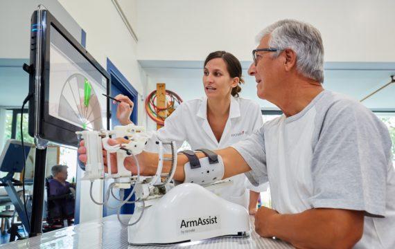 ArmAssist helpt patiënten UMCG thuis beter revalideren