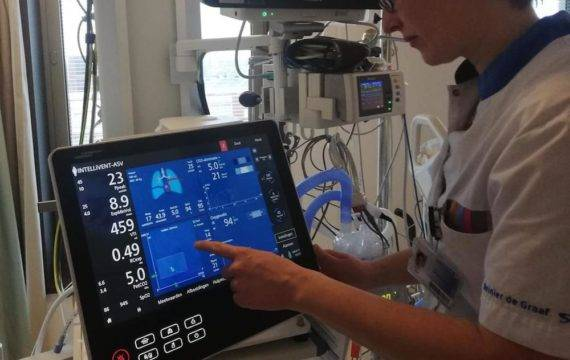 AI beademingssysteem regelt zelf beademing patiënten
