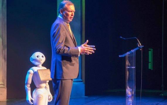 Minister Bruins opent e-healthweek 2020: 'Nu gewoon doen'