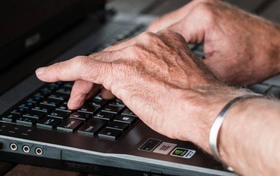 Expertgroep wil coronamaatregelen omzetten in begrijpelijke taal