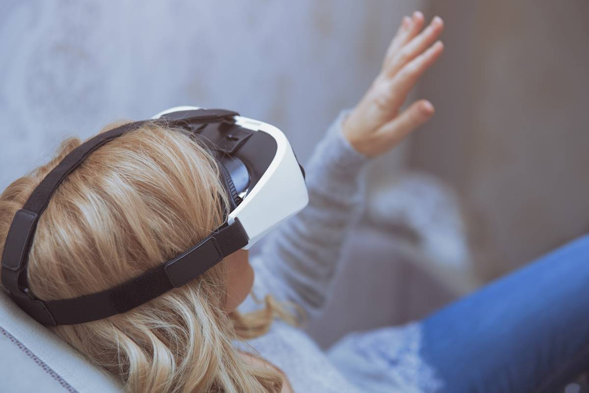 Medische hypnose met VR-bril tegen pijn en angst bij kinderen - ICT&health