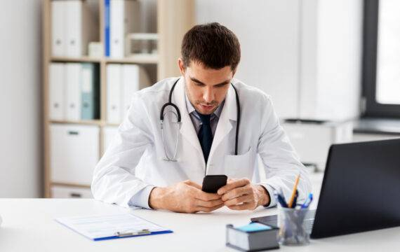 Digitale zorgwerkplekken voor HZOIJ van Exite en Vcare
