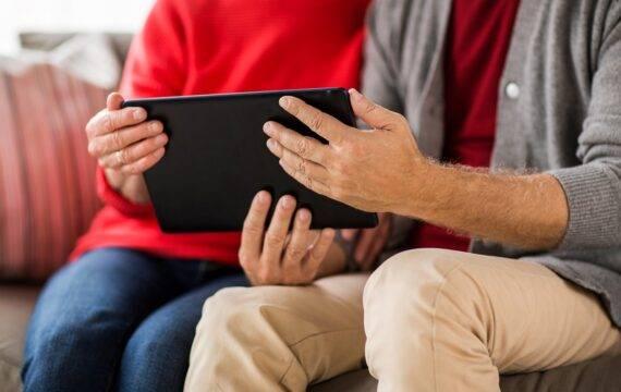 Meer digitale contacten ouderen door coronacrisis