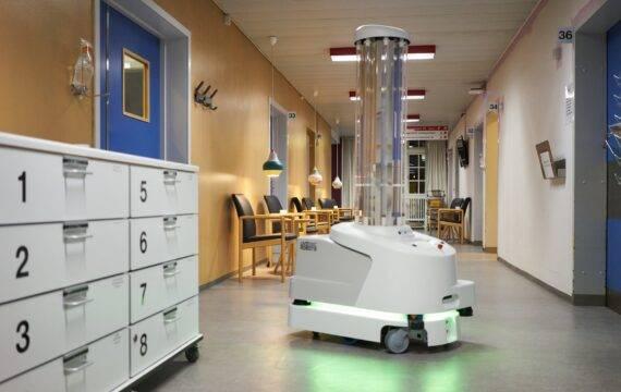 Snelle desinfectie corona-verpleegkamers met UV-robot