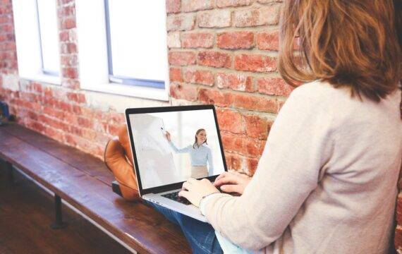 Digitaal ondernemerschap: TRANSFORMEREN KUN JE LEREN