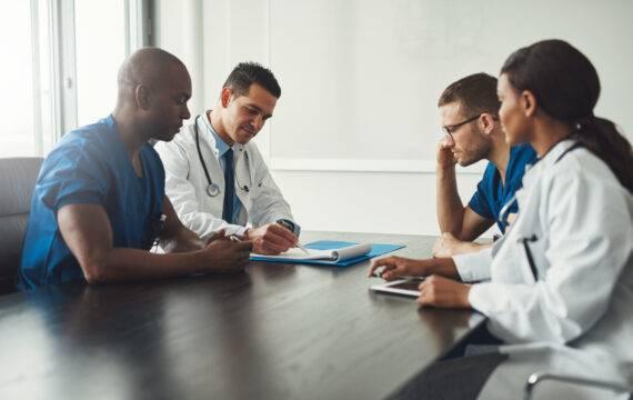 Zorg Dichtbij Wijzer moet hybride zorg inbedden: 'We willen zorgprofessionals helpen de juiste vraag te stellen'