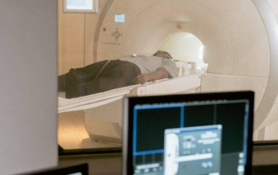 Subsidie voor onderzoek naar snellere MRI-scan met AI